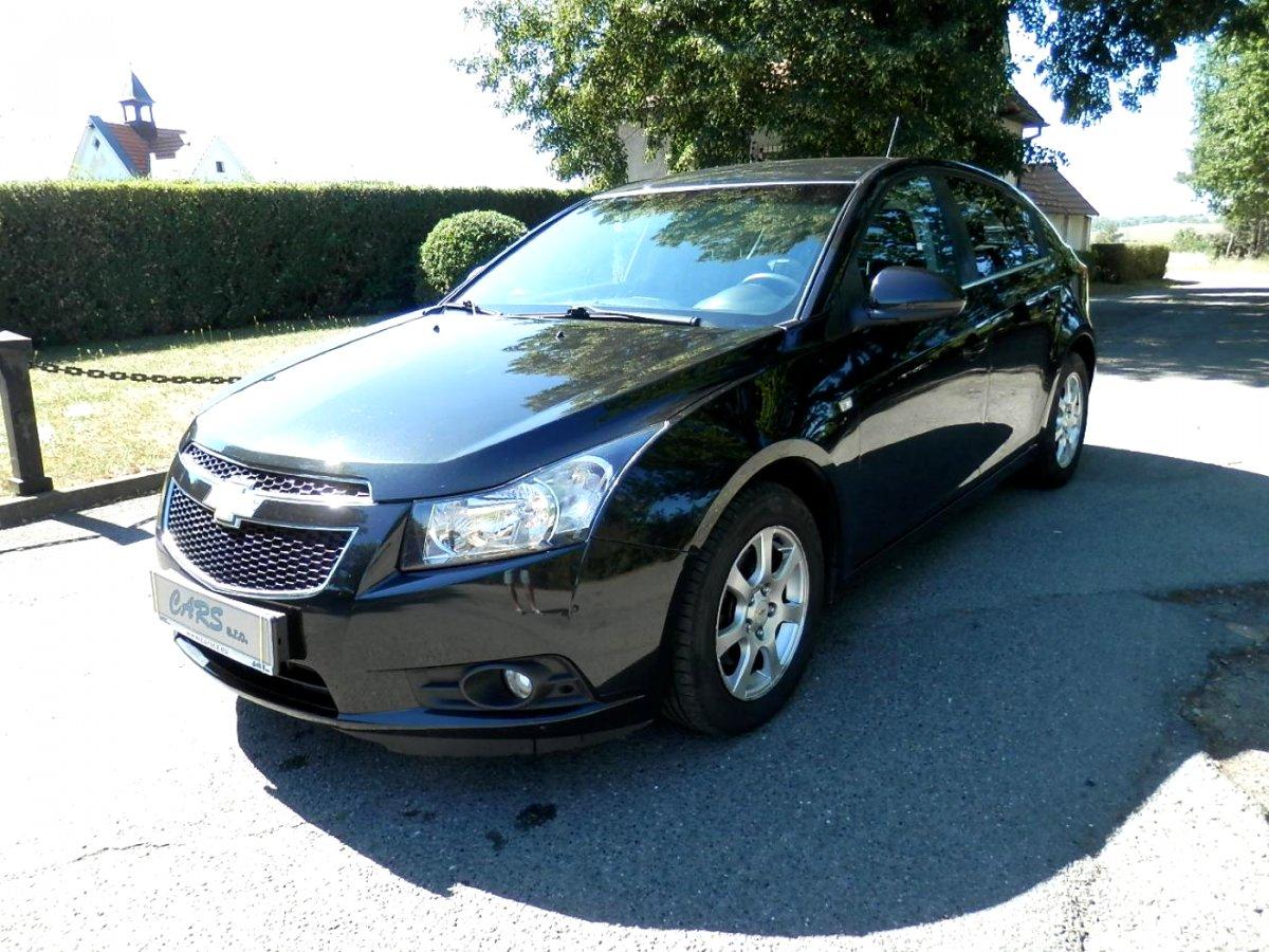 Chevrolet Cruze, 2012 - celkový pohled