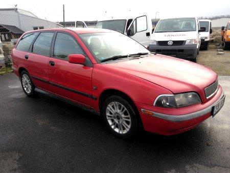 Volvo V40, 2000